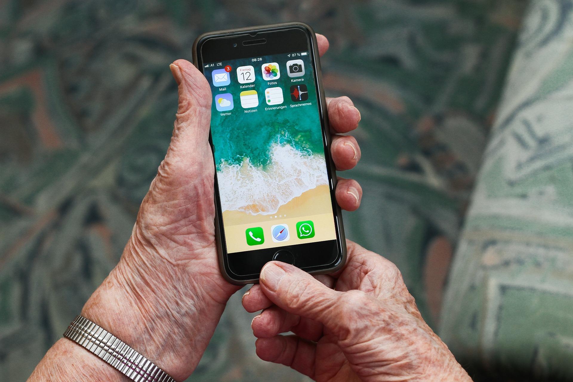 Möglichkeiten der Weiterbildung im Bereich  Digitalisierung auch für Senioren/rinnen schaffen